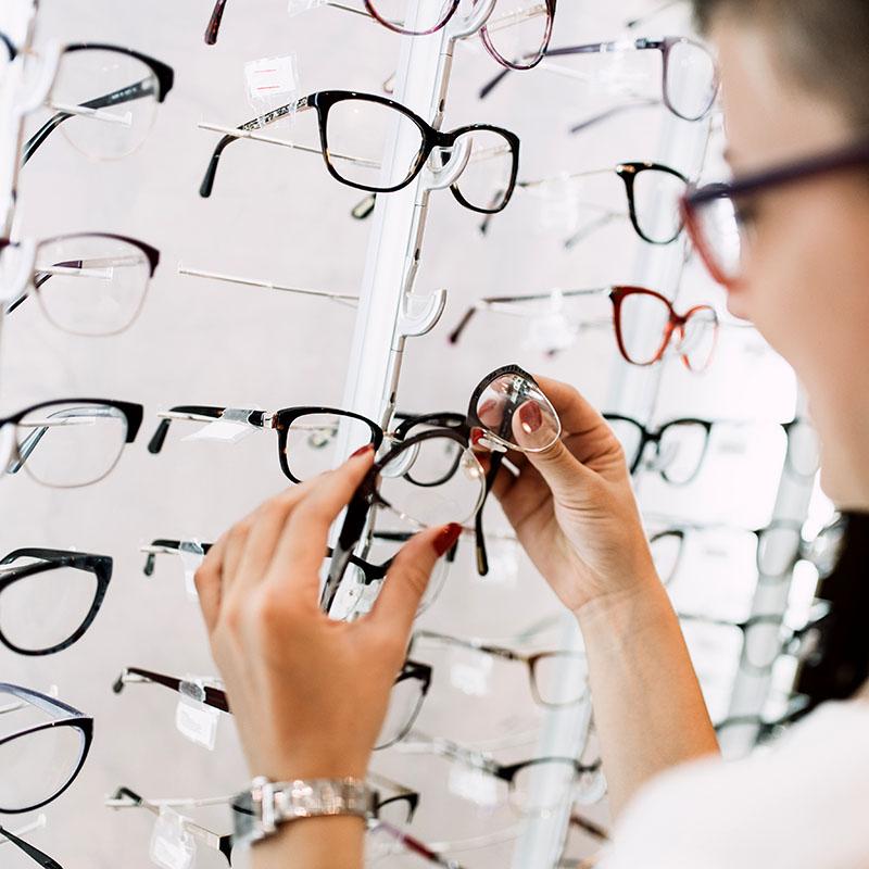 Silmäasema on Suomen luotetuin optikkoliike, Instrumentarium kakkonen, Specsavers kolmonen
